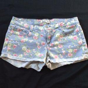 L.E.I. Juniors Women's Shorts 9 Floral Denim lei